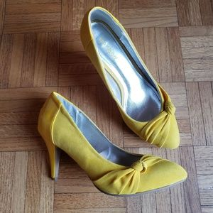 Bamboo Suede and Patent Heels, Yellow